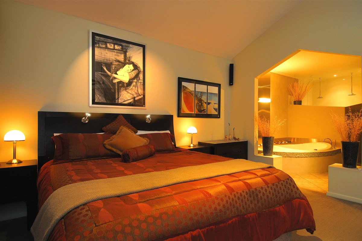 Strictly couples-only romantic accommodation near Adelaide SA